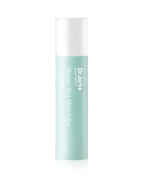 Closeup   most moist water act skin mist