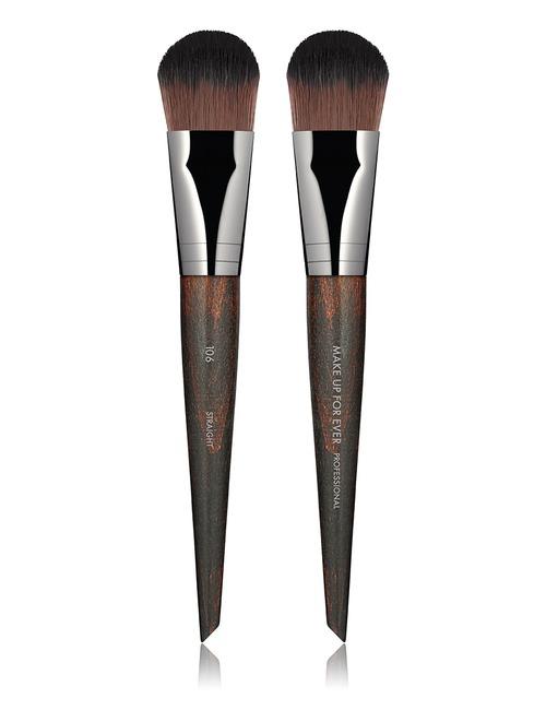 Closeup    106 foundation brush   medium