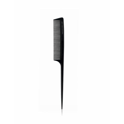 Closeup   9376 carbon tail comb