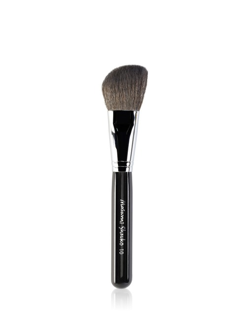 Closeup   9544 10 large angled contour brush